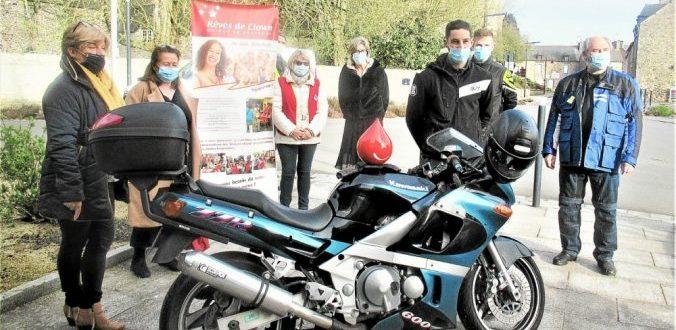 Le Team RMP a réuni des membres de Rèves de Clown,un membre du don du sang et Brigitte Jaffrelot ,adjointe